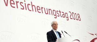 """Wolfgang Weiler: Der GDV-Präsident sagte auf dem Versicherungstag in Berlin: """"Ein immer Mehr an Regulierung kann nicht zielführend sein. Wir brauchen eine regulatorische Pause."""""""