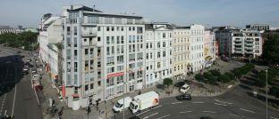 Die Verbraucherzentrale in Hamburg: Die Verbraucherschützer des Marktwächter-Teams sind mit der aktuellen Gestaltung der Basisinformationsblätter für Rentenversicherungen nicht zufrieden.