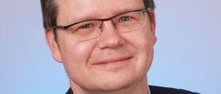 Michael Merz: Zum Investment-Gremium von Huber, Reuss & Kollegen gehören neben Thomas Umlauft, Helen Windischbauer und ihm auch weiterhin Adrian Roestel als Leiter Portfoliomanagement und Joachim Spiering, Spezialist für Nebenwerte und US-Technologieaktien.