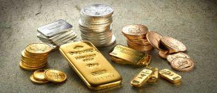 Edelmetallbarren und -münzen. Rainer Beckmann, Geschäftsführer der Düsseldorfer Vermögensverwaltung Ficon Börsebius Invest, räumt Silber-Investoren derzeit gute Chancen ein.