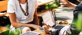 Technologie in der Finanzberatung: Swen Köster, Senior Vice President und Head of Sales bei Moventum, betont die Leistungen klassischer Berater, die bei ihrer Arbeit neben standardisierten Prozessen auch Erfahrungen einfließen lassen.