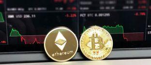 Münzen der Kryptowährungen Ethereum und Bitcoin: Die Betreiber der Kryptowährungsbörse Quadrigacx wenden sich mit einem Aktuellen Statement <a href='https://www.quadrigacx.com/' target='_blank'>auf der Firmen-Intenetseite</a> an ihre etwa 100.000 Kunden.