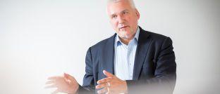 """Axel Kleinlein: """"Die Versicherungsunternehmen sind nicht in der Lage, erfolgreich mit den anvertrauten Werten der Kundinnen und Kunden zu arbeiten"""", so das Fazit von BdV-Chefs."""