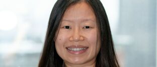 Soll Nachhaltigkeit noch stärker in den Investment-Teams integrieren: Stephanie Chang von Schroders