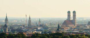 München-Panorama: In München nehmen Käufer und Bauherren weiterhin die höchsten Darlehen auf.