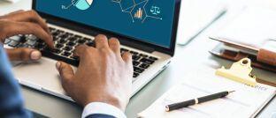Digitaler Vertrieb: Neodigital-Gründer Stephen Voss erläutert, wie deutsche Makler und Vermittler mit digitalen Versicherungen umgehen sollten.