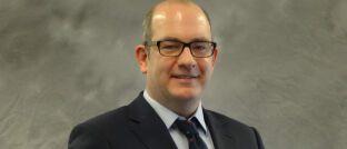 John Bates leitet das Unternehmens-Research Schwellenländer und den Bereich Schwellenlandanleihen bei Pinebridge Investments.