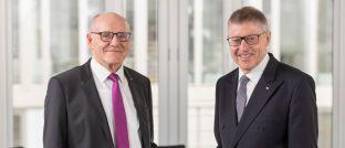Günter Hirsch und Wilhelm Schluckebier (r.): Der ehemalige Präsident des Bundesgerichtshofs und bisherige Ombudsmann und sein Nachfolger informierten jetzt über die Beschwerden bei der Verbraucherschlichtungsstelle im Jahr 2018.