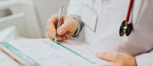 Chefarzt: Ottonova bietet ab sofort zwei neue Premium-Tarife an.