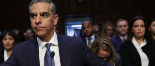 """David Marcus, Chef der digitalen Facebook-Brieftasche """"Calibra"""", steht im Juli 2019 US-Senatoren Rede und Antwort."""