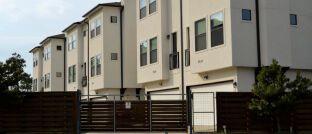 Eine Investition in Immobilien bietet zwar noch immer hohe Renditen. Faktoren wie Standort und Einkommensentwicklung spielen aber eine immer größere Rolle.