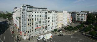 Die Verbraucherzentrale Hamburg gehört mit ihrem Fokus auf Versicherungen zu den bundesweit fünf Schwerpunkt-Verbraucherzentralen, die das Projekt Marktwächter Finanzen tragen.