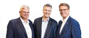 Thomas Heigl, Herbert Schneidemann und Martin Gräfer (v.l.): Das Vorstandsteam der Versicherungsgruppe die Bayerische setzt seine Arbeit fort.