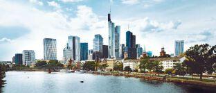 Skyline des gefragten Immobilien-Standorts Frankfurt: Die Deutsche Finance legt einen Immobilienaktienfonds auf
