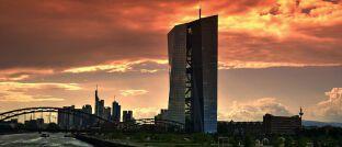 Sitz der europäischen Zentralbank in Frankfurt: Greift die EZB zu Aktienkäufen?