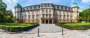 Der Bundesfinanzhof mit Sitz in München ist neben dem Bundesgerichtshof, dem Bundesverwaltungsgericht, dem Bundesarbeitsgericht und dem Bundessozialgericht einer der fünf obersten Gerichtshöfe Deutschlands.
