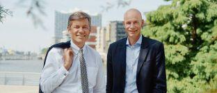 Reinhard Kutscher (links) übergibt den Vorsitz der Geschäftsführung an Jörn Stobbe.