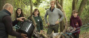 Der britische Prinz Harry bei einem Schulprojekt für Umweltschutz. Der Asset Manager CANDRIAM hat einen besonderen Fokus auf Nachhaltigkeit.