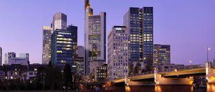 Bankenviertel in Frankfurt: Seit der Finanzkrise haben Banker in der Gesellschaft keinen guten Stand.