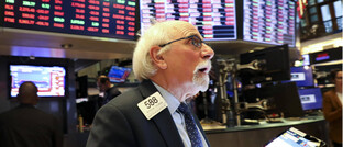 Händler an der New Yorker Börse: Börsenkurse gehen weltweit auf Talfahrt.