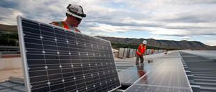 Photovoltaik-Anlage: Der neue Fonds soll in Unternehmen aus dem Segment erneuerbare Energien investieren.