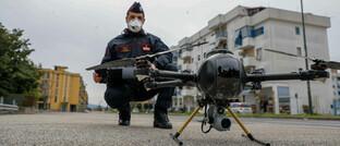 Drohneneinsatz in Italien: Die Corona-Pandemie hält weite Teile der Welt in Atem