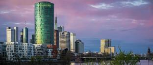 Sitz von Eiopa in Frankfurt am Main: Die Europäische Aufsichtsbehörde fordert Versicherer und Rückversicherer auf, Dividendenzahlungen und Aktienrückkäufe vorübergehend auszusetzen.