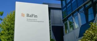 Bafin-Gebäude am Standort Bonn: Die Finanzaufsichtsbehörde soll ab 2021 auch Finanzanlagenvermittler und Honorar-Finanzanlagenberater beaufsichtigen.