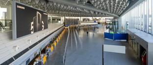 Flaute auf dem Frankfurter Flughafen, Deutschlands größter Airport: Flughäfen als potenzielle Fallen Angels haben hohe Fixkosten und leiden massiv unter dem Einbruch der Passagierzahlen.