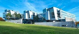 Hauptsitz der Athora Lebensversicherung in Wiesbaden: Der Bestandsversicherer der Athora Gruppe in Deutschland hat seine Solvenzquoten 2019 gegen den insgesamt rückläufigen Markttrend gesteigert.