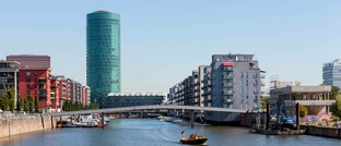 Die Versicherungsaufsicht Eiopa residiert im Frankfurter Westhafentower: Gemeinsam mit der Europäischen Banken- und der Wertpapieraufsicht hat Eiopa nun Pläne für Offenlegungsstandards für ESG-Informationen zur Konsultation gestellt.