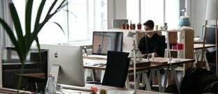 Leerer Schreibtisch: Die deutsche Assekuranz steht vor einem Abbau von Arbeitsplätzen.