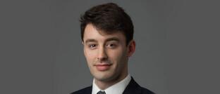 """Kurt Cruickshank, Manager des Aberdeen Standard German Equity: """"Weniger Chancen sehen wir bei einigen der größten Segmente des Dax, zum Beispiel Telekommunikation, Automobile und Banken."""""""