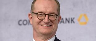 Auf der Bilanzpressekonferenz der Commerzbank Mitte Februar 2020 hatte Martin Zielke noch gut lachen. Nun hat er seinen Rücktritt als Vorstandchef angekündigt.