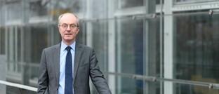 """Friedrich Heinemann leitet am Leibniz-Zentrum für Europäische Wirtschaftsforschung (ZEW) den Forschungsbereich """"Unternehmensbesteuerung und Öffentliche Finanzwirtschaft""""."""