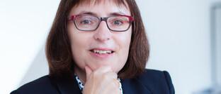 Susanne Knorre: Die Vizepräsidentin des SPD-Wirtschaftsforums war von 2000 bis 2003 Ministerin für Wirtschaft, Technologie und Verkehr des Landes Niedersachsen. Seit 2005 lehrt sie am Institut für Kommunikationsmanagement der Hochschule Osnabrück.