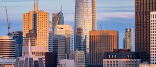 Bürotürme von Silicon-Valley-Unternehmen in San Francisco: Für Bereiche, deren Wachstumsperspektiven sich langfristig verbessern, wäre ein J die treffendste Buchstabenanalogie.