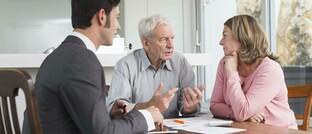 Notwendiges Beratungsgespräch, wenn sich das Leben des Kunden schlagartig ändert und eine ganz neue Finanzplanung erfordert.