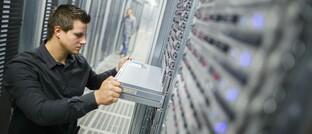 Rechenzentrum in Sachsen-Anhalt: Hackerangriffe auf Serverzentren und Firmen können gravierende Auswirkungen haben – und massive Kosten verursachen.