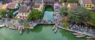 Blick über die vietnamesische Stadt Hoi An