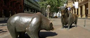 Symbolskulpturen Bulle und Bär vor der Frankfurter Börse