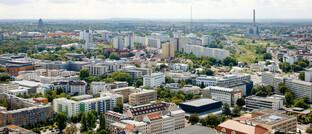 Blick über Leipzig: Kunden wollen viele Services mittlerweile digital zur Verfügung haben. Darauf sollte sich auch die Immobilienbranche einstellen, rät Immobilienspezialist Thomas Knedel.