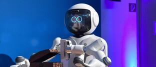 Roboter auf dem Hightech Summit Bayern: Technologischer Fortschritt kommt oft in Schüben.