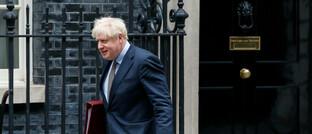 Britischer Premierminister Boris Johnson vor seinem Amtssitz 10 Downing Street, London: Laut Bluebay Asset Management könnte es im Oktober zu einem Kompromiss zwischen Brüssel und Westminster in den Brexit-Verhandlungen kommen.