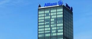 Allianz-Tower in Berlin: Mit Allvest bringt der Versicherer eine rein digitale Rentenversicherung auf den Markt.
