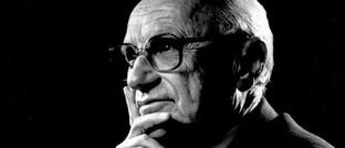 Milton Friedman: Der Nobelpreisträger könnte dem Impact Investing, bei dem der Unternehmensgewinn mit einem Gewinn für die Gesellschaft als Ganzem verquickt wird, sicherlich etwas abgewinnen.