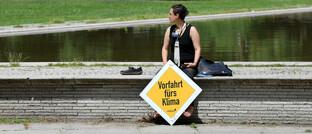 Klimamaktivist während der bundesweiten Protestwoche von Extinction Rebellion in Berlin