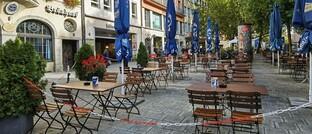 Ein im Zuge des erneuten Corona-Lockdowns vorübergehend geschlossener Biergarten in München