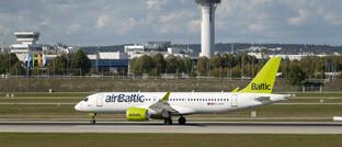 Air-Baltic-Flieger startet am Flughafen München