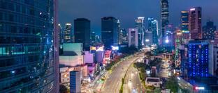 Schnellstraße in Jakarta, Indonesien